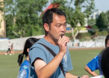 西北政法大学足球教练张翔专访 (306播放)